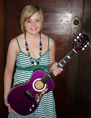 Makaylie Foodey with Tomkins guitar